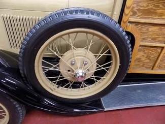 1929 Ford Model A Woodie Wagon - Utah Showroom Newberg, Oregon 1