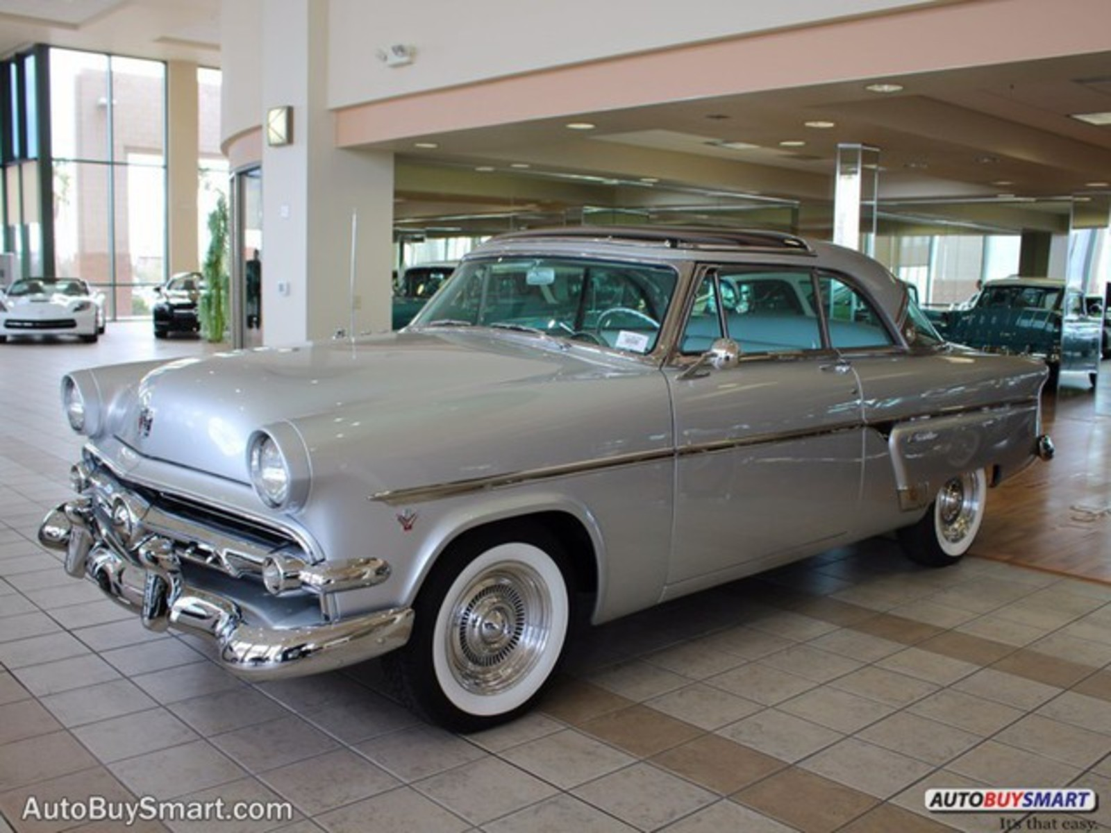 Image 10 of 1954 Ford Crestline…