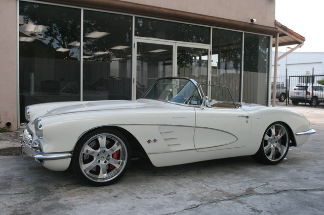 1960 Chevy Corvette Convt. V8 Convt Restomod Custom Houston, Texas 17