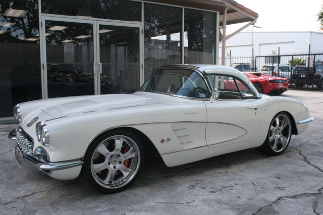 1960 Chevy Corvette Convt. V8 Convt Restomod Custom Houston, Texas 3