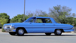 1961 Oldsmobile DYNAMIC 88  HOLIDAY SEDAN HARDTOP Phoenix, Arizona