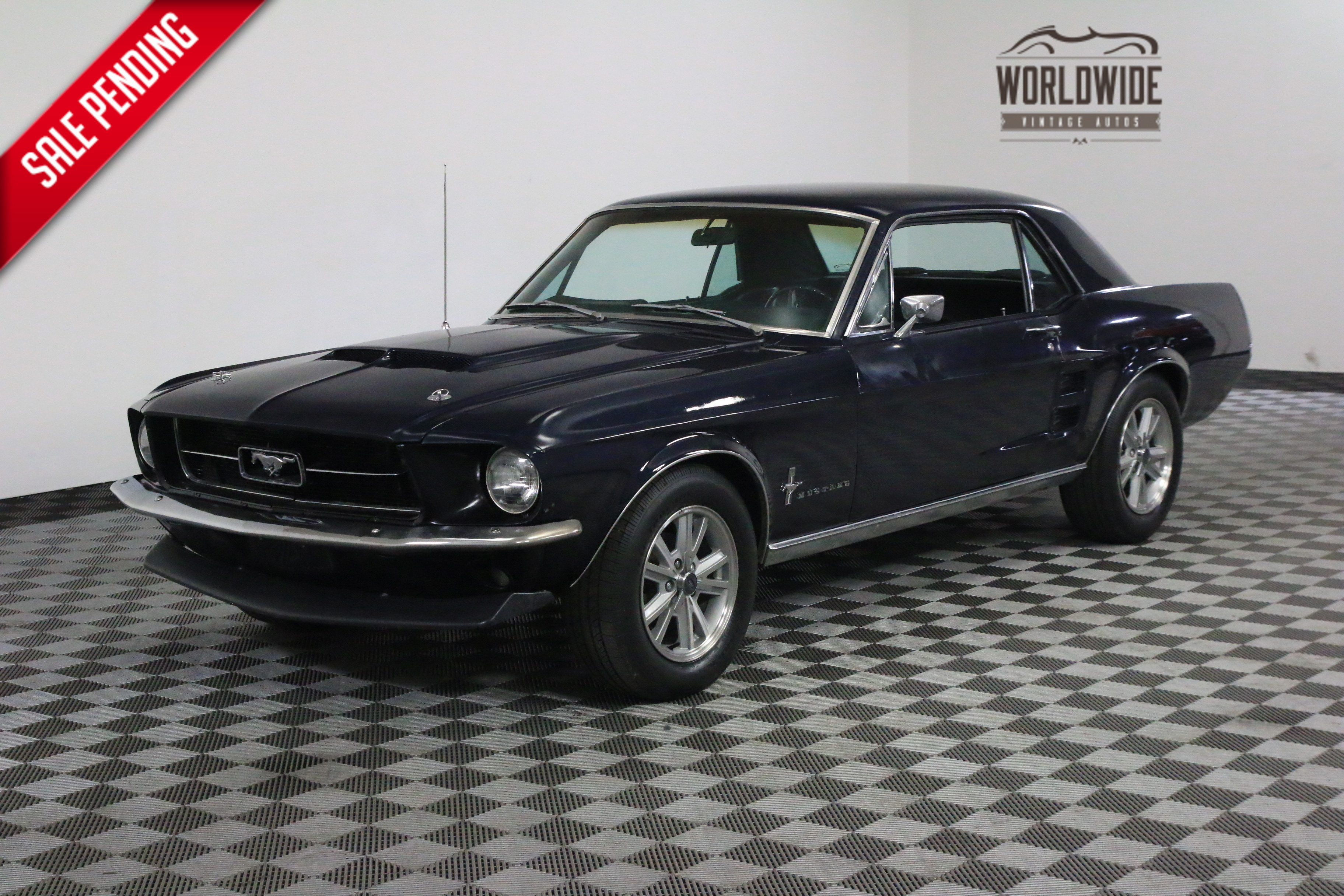 1967 Ford MUSTANG V8 CONSOLE CAR AUTO