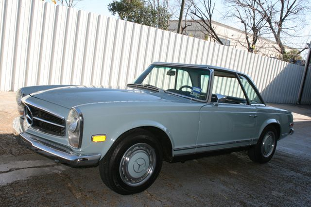 1968 Mercedes-Benz 280SL CUSTOM RESTORATION Houston, Texas 1