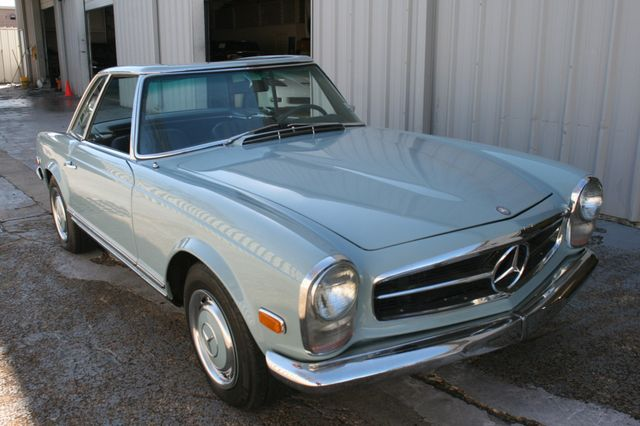 1968 Mercedes-Benz 280SL CUSTOM RESTORATION Houston, Texas 4