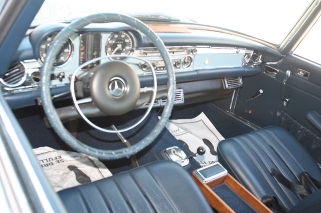 1968 Mercedes-Benz 280SL CUSTOM RESTORATION Houston, Texas 9