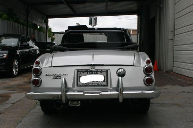 1969 Datsun 1600 Houston, Texas 3