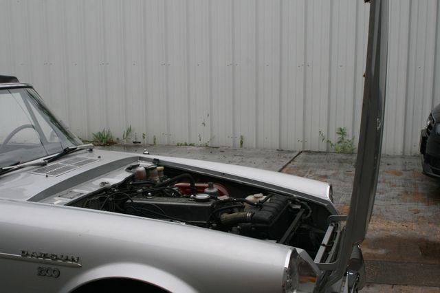 1969 Datsun 1600 Houston, Texas 7