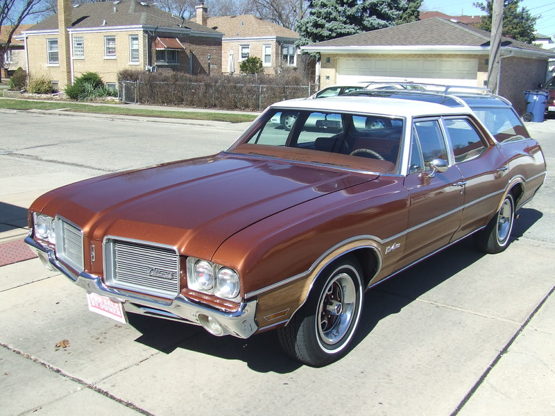 1971 Oldsmobile Vista Cruiser  in Mokena Illinois