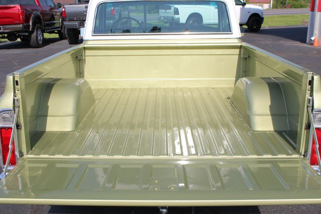 1972 Chevrolet Cheyenne 10 RWD - 350 V8 - AUTO - AIR CONDITIONING! Mooresville , NC 29