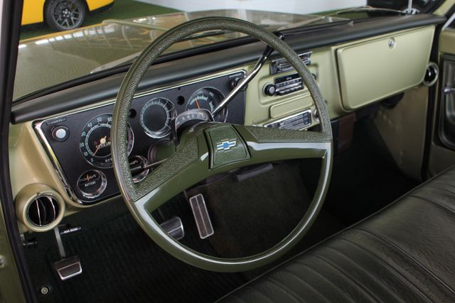 1972 Chevrolet Cheyenne 10 RWD - 350 V8 - AUTO - AIR CONDITIONING! Mooresville , NC 35