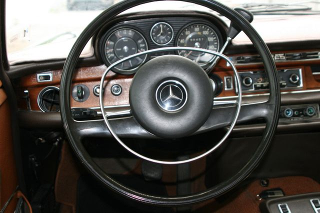 1972 Mercedes-Benz 280 SE Houston, Texas 10