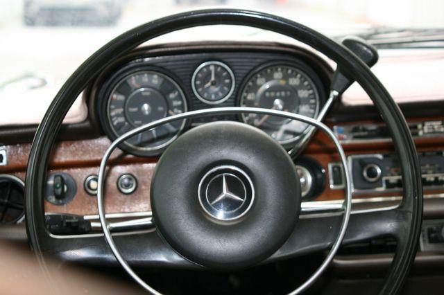 1972 Mercedes-Benz 280 SE Houston, Texas 13