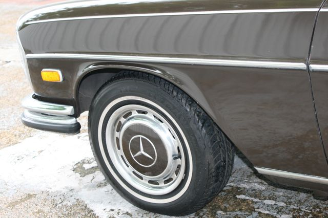1972 Mercedes-Benz 280 SE Houston, Texas 9