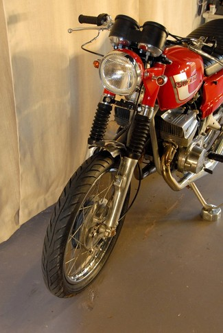 1972 Suzuki GT380 SEBRING MADE TO ORDER CAFE RACER BRAT STYLE MOTORCYCLE Mendham, New Jersey 22