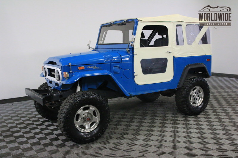 1972 Toyota LAND CRUISER FJ40  RESTORED. 4 WHEEL DISC. V8. FUEL INJECTION