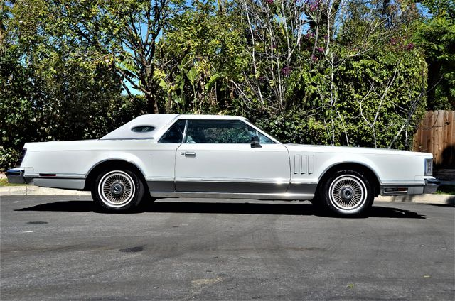 1977 Lincoln Continental Mark V Cartier Reseda, CA 3