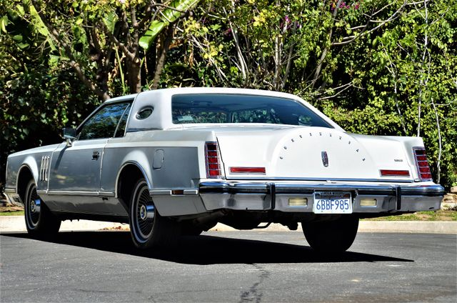 1977 Lincoln Continental Mark V Cartier Reseda, CA 37