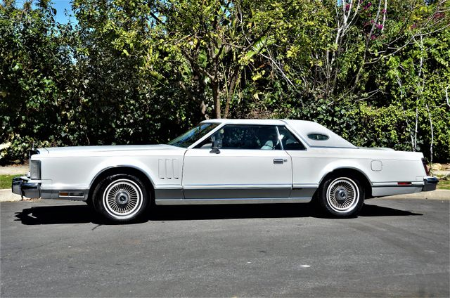 1977 Lincoln Continental Mark V Cartier Reseda, CA 4