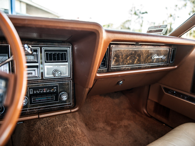 1977 Lincoln Continental Mark V Cartier Edition Studio City, California 13