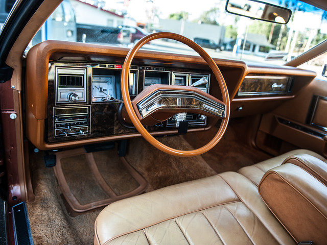 1977 Lincoln Continental Mark V Cartier Edition Studio City, California 16