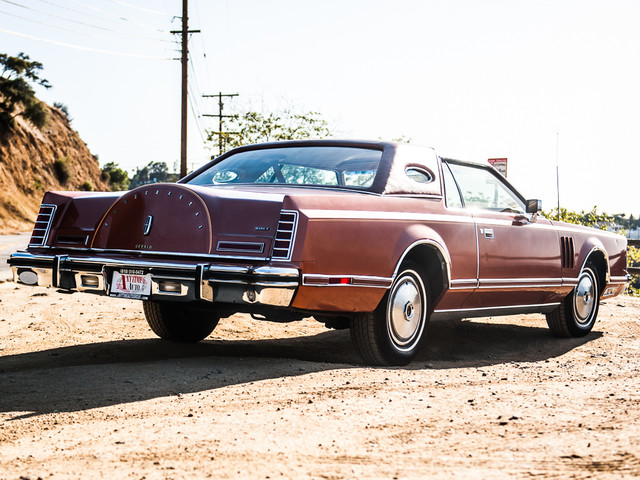 1977 Lincoln Continental Mark V Cartier Edition Studio City, California 5