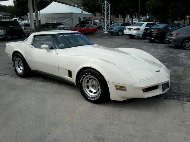1981 Chevrolet Corvette San Antonio, Texas 3