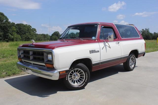 1983 Dodge Ram Charger 150 Royal SE RWD - 318 CI (5.2L V8) Mooresville , NC 39