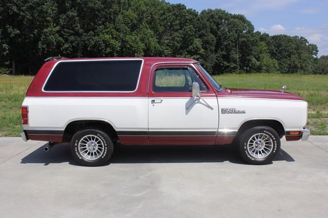 1983 Dodge Ram Charger 150 Royal SE RWD - 318 CI (5.2L V8) Mooresville , NC 13