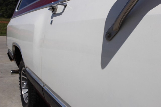 1983 Dodge Ram Charger 150 Royal SE RWD - 318 CI (5.2L V8) Mooresville , NC 29