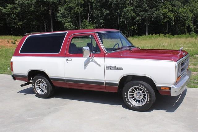 1983 Dodge Ram Charger 150 Royal SE RWD - 318 CI (5.2L V8) Mooresville , NC 21
