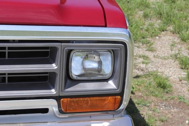 1983 Dodge Ram Charger 150 Royal SE RWD - 318 CI (5.2L V8) Mooresville , NC 34