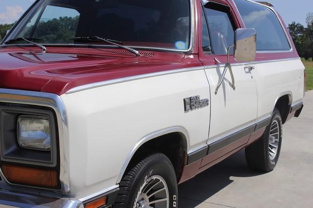 1983 Dodge Ram Charger 150 Royal SE RWD - 318 CI (5.2L V8) Mooresville , NC 26