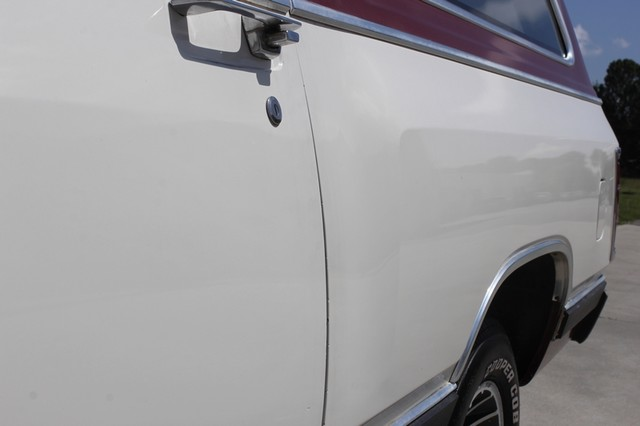 1983 Dodge Ram Charger 150 Royal SE RWD - 318 CI (5.2L V8) Mooresville , NC 30