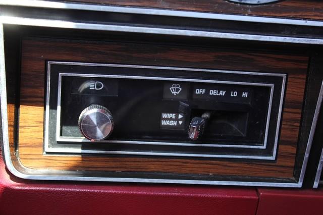 1983 Dodge Ram Charger 150 Royal SE RWD - 318 CI (5.2L V8) Mooresville , NC 48