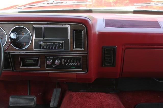 1983 Dodge Ram Charger 150 Royal SE RWD - 318 CI (5.2L V8) Mooresville , NC 9