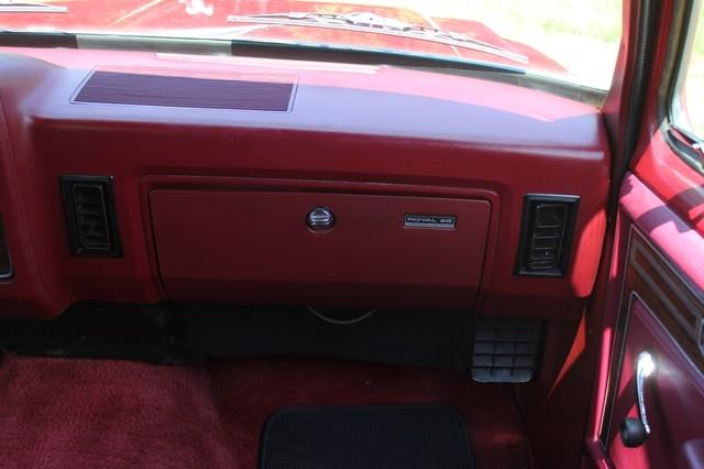 1983 Dodge Ram Charger 150 Royal SE RWD - 318 CI (5.2L V8) Mooresville , NC 5