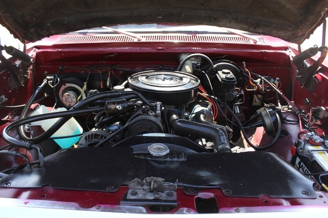 1983 Dodge Ram Charger 150 Royal SE RWD - 318 CI (5.2L V8) Mooresville , NC 19