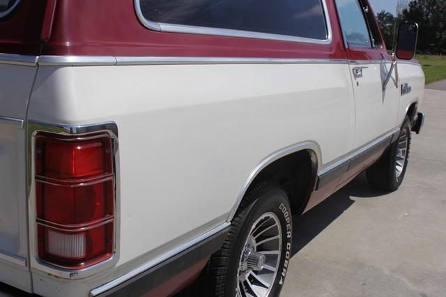 1983 Dodge Ram Charger 150 Royal SE RWD - 318 CI (5.2L V8) Mooresville , NC 27