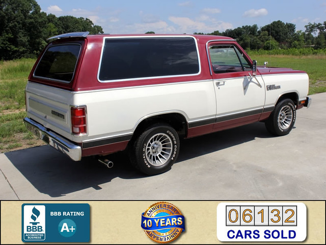 1983 Dodge Ram Charger 150 Royal SE RWD - 318 CI (5.2L V8) Mooresville , NC 2