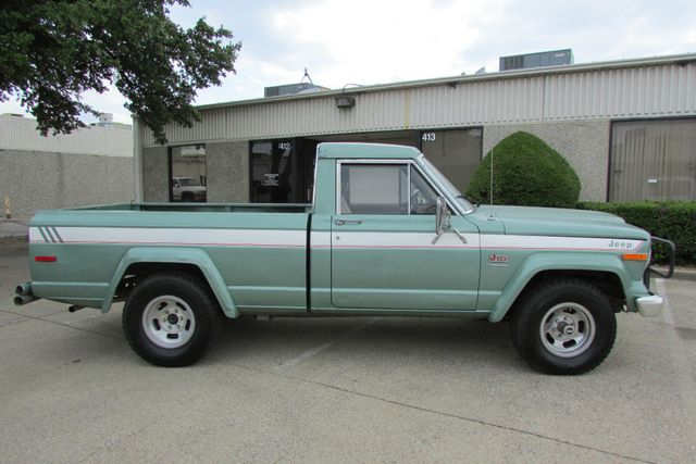 1984 Jeep J10 Pickup 4WD Arlington, Texas 0