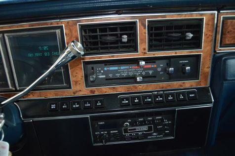 1985 Lincoln TOWN CAR    Bountiful, UT   Antion Auto in Bountiful, UT