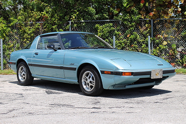 1985 Mazda RX-7 GSL  CARFAX CERTIFIED ROTARY ENGINE CLASSIC TRADES WELCOME  The 1985 Maz