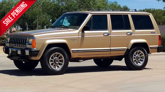 1986 Jeep Cherokee Cherokee Laredo 4x4 Turbo intercooled Diesel 5 speed Phoenix, Arizona