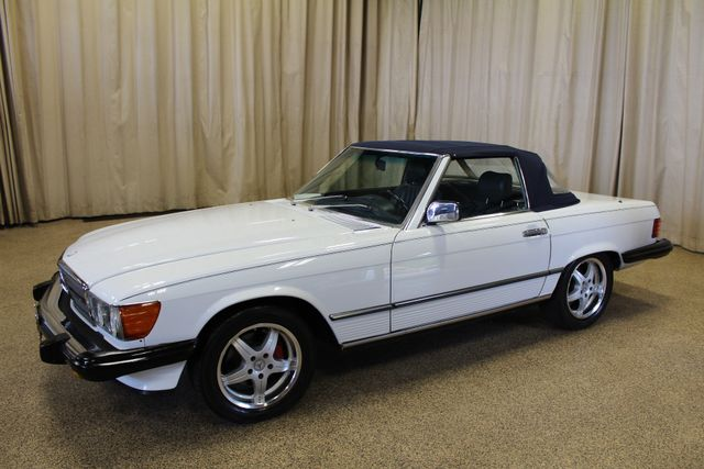 1986 Mercedes-Benz 560 Series 560SL Roscoe, Illinois 2