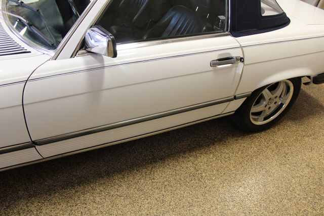 1986 Mercedes-Benz 560 Series 560SL Roscoe, Illinois 8