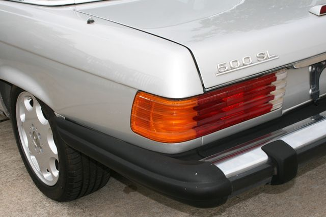 1986 Mercedes-Benz 560SL Houston, Texas 11