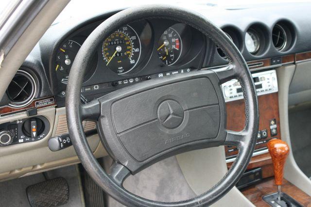 1986 Mercedes-Benz 560SL Houston, Texas 14
