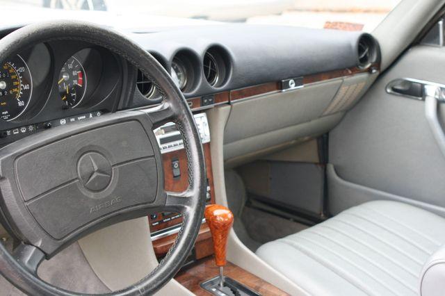 1986 Mercedes-Benz 560SL Houston, Texas 15
