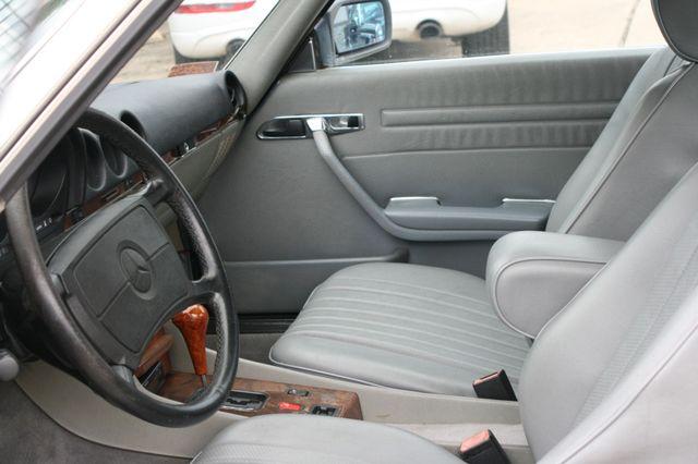 1986 Mercedes-Benz 560SL Houston, Texas 16