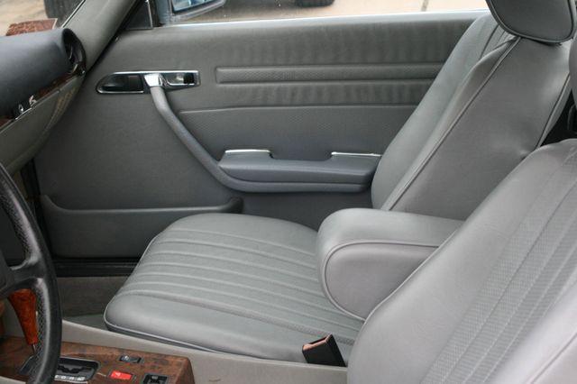 1986 Mercedes-Benz 560SL Houston, Texas 17